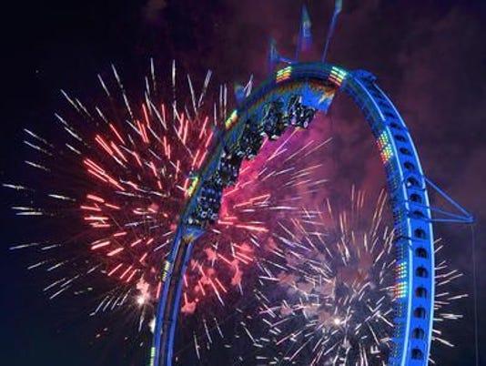 636335602282233406-Spree-fireworks.jpg