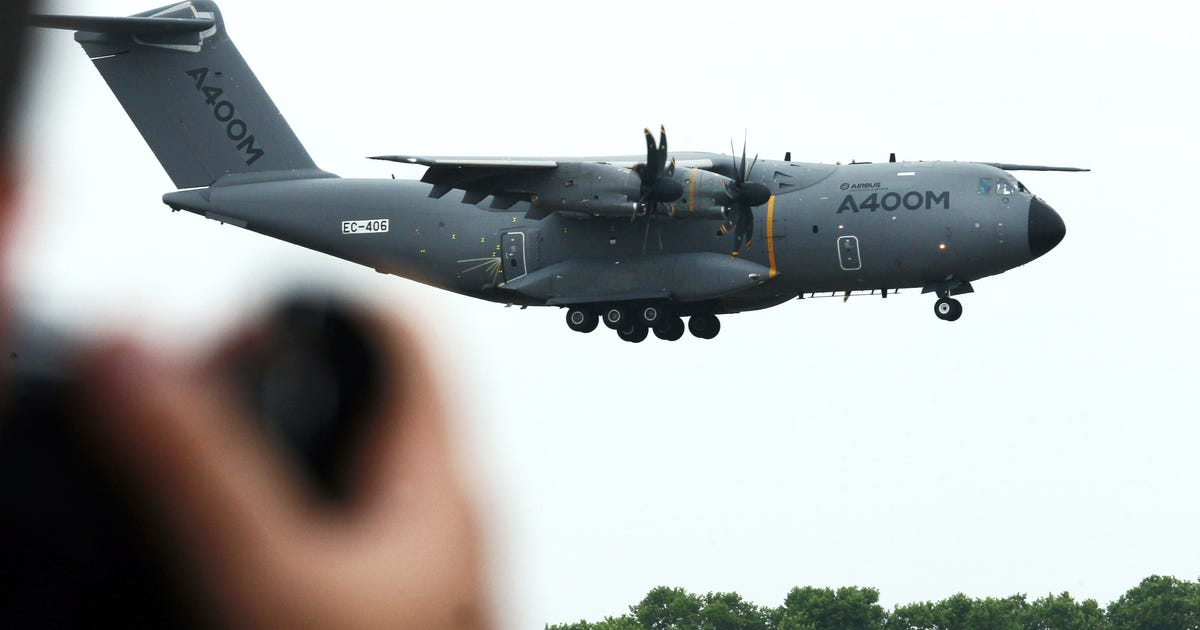 France expects six a400ms fitted to tactical standard by for Air france assistance chaise roulante