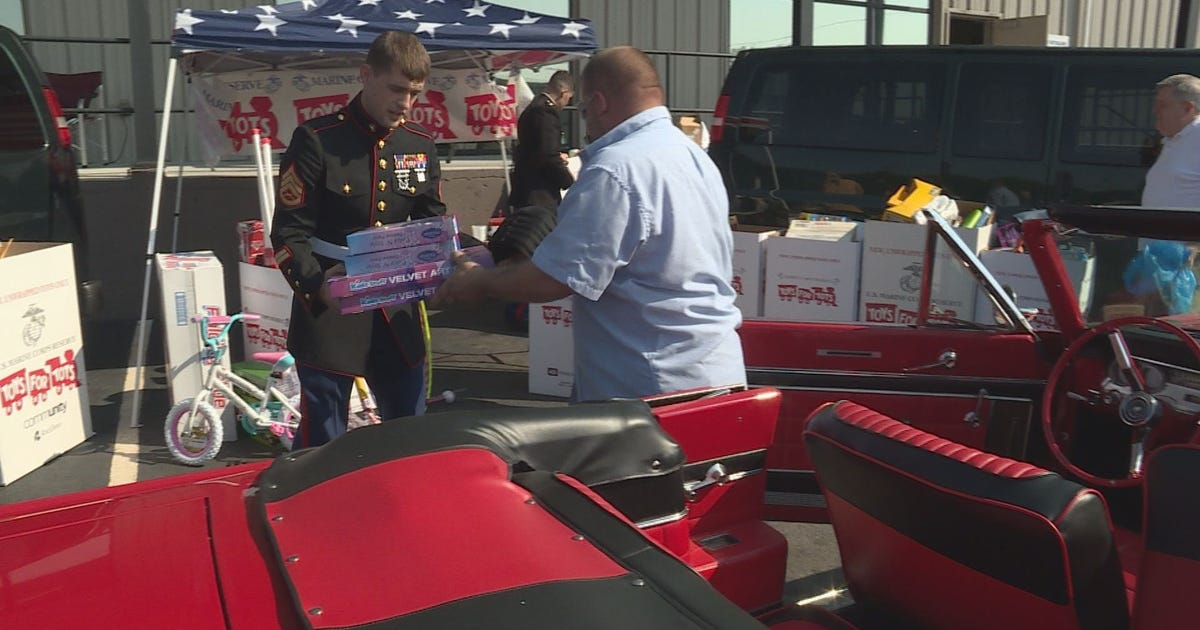 Toys For Tots Car Show