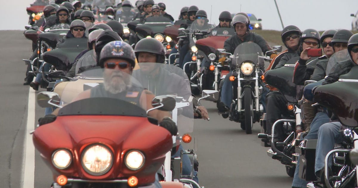 Bikers Toys For Tots : Bikers get a head start on christmas with toys for tots ride