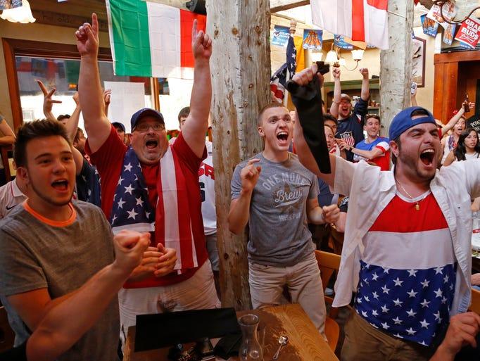 Los estadounidenses se contagiaron de la fiesta mundialista Brasil 2014, y apoyaron con todo a la selección de las Barras y las Estrellas en todo el país.
