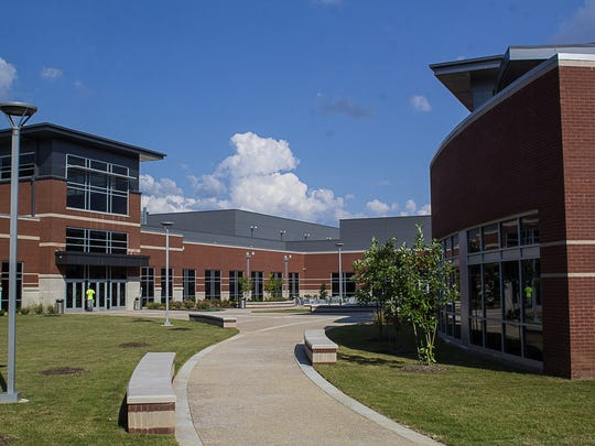 The courtyard at Collierville High.
