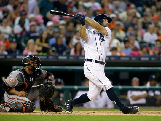 Tyler Collins hits a three-run home run in front of