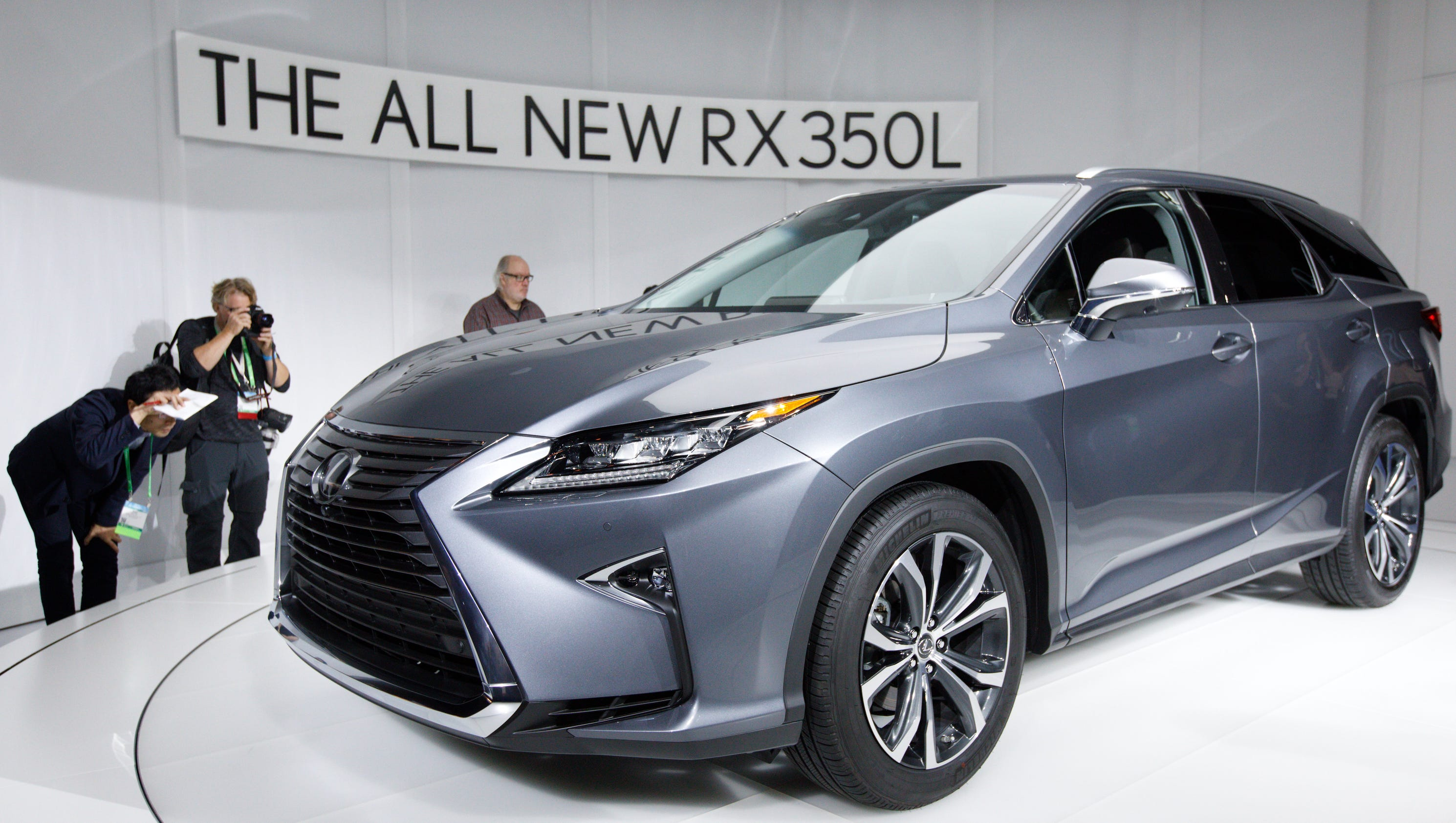 lexus will charge this much more for a third row in a lexus rx suv. Black Bedroom Furniture Sets. Home Design Ideas