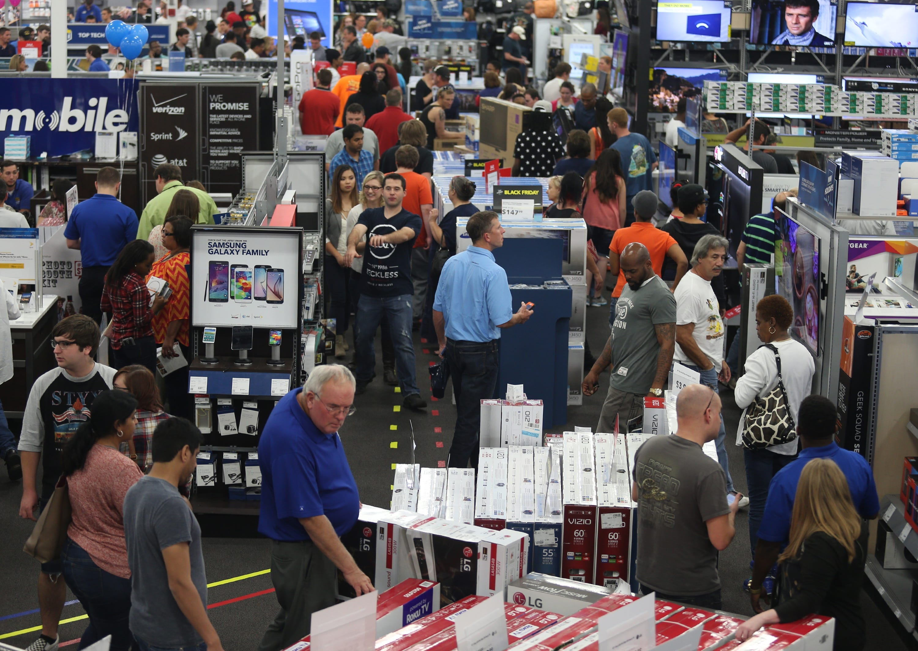 images What Black Friday workers wish shoppers would stop doing