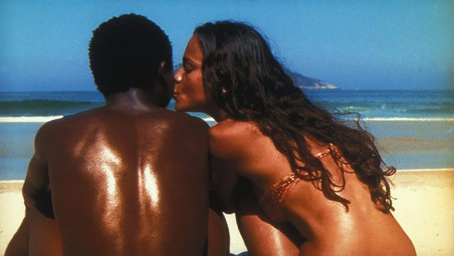 """Alexandre Rodrigues and Alice Braga star in """"City of God"""" (2003)."""