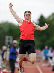 New London's Brayden Kurth makes his jump in the division