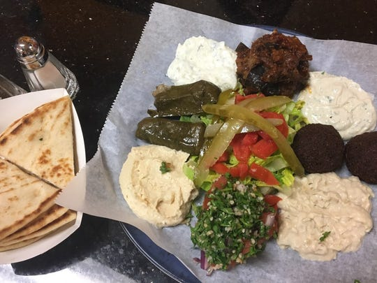 Keese's Simply Delicious's combo platter was a sampling