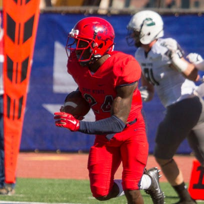 Former DSU star Tyneil Cooper signs with Canadian Football League
