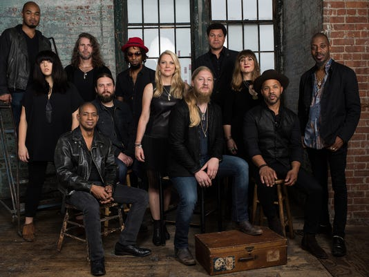 636456650430320818-Tedeschi-Trucks-Band-General-Use-2.jpg
