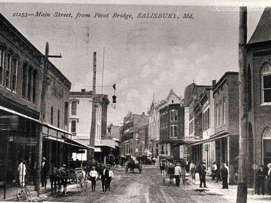 Main Street, c. 1904, Main Street From Pivot Bridge