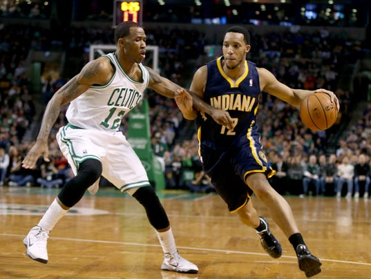 Pacers_Celtics_Basketball_MAMS113_WEB800402