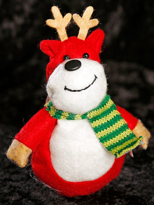 635858624610403016-FON-121015-little-reindeer.jpg