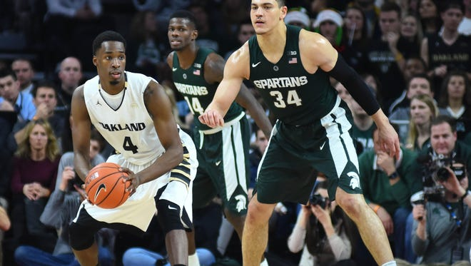 Former Lansing Sexton star Jalen Hayes is averaging 13 points per game as Oakland starting power forward.