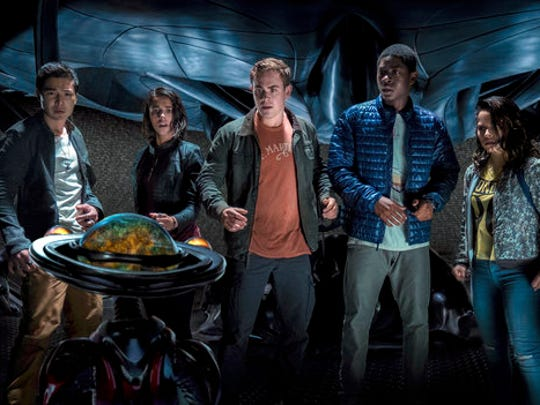 """In this image released by Lionsgate, Ludi Lin, from left, Naomi Scott, Dacre Montgomery, RJ Cyler and Becky G appear in """"Power Rangers."""""""
