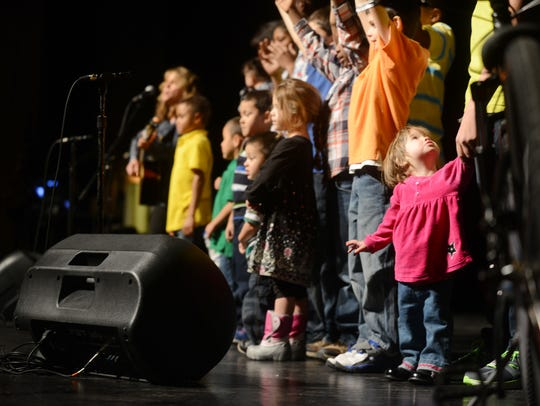 The Dream Center Kids sing 'Twinkle Twinkle Litte Star'