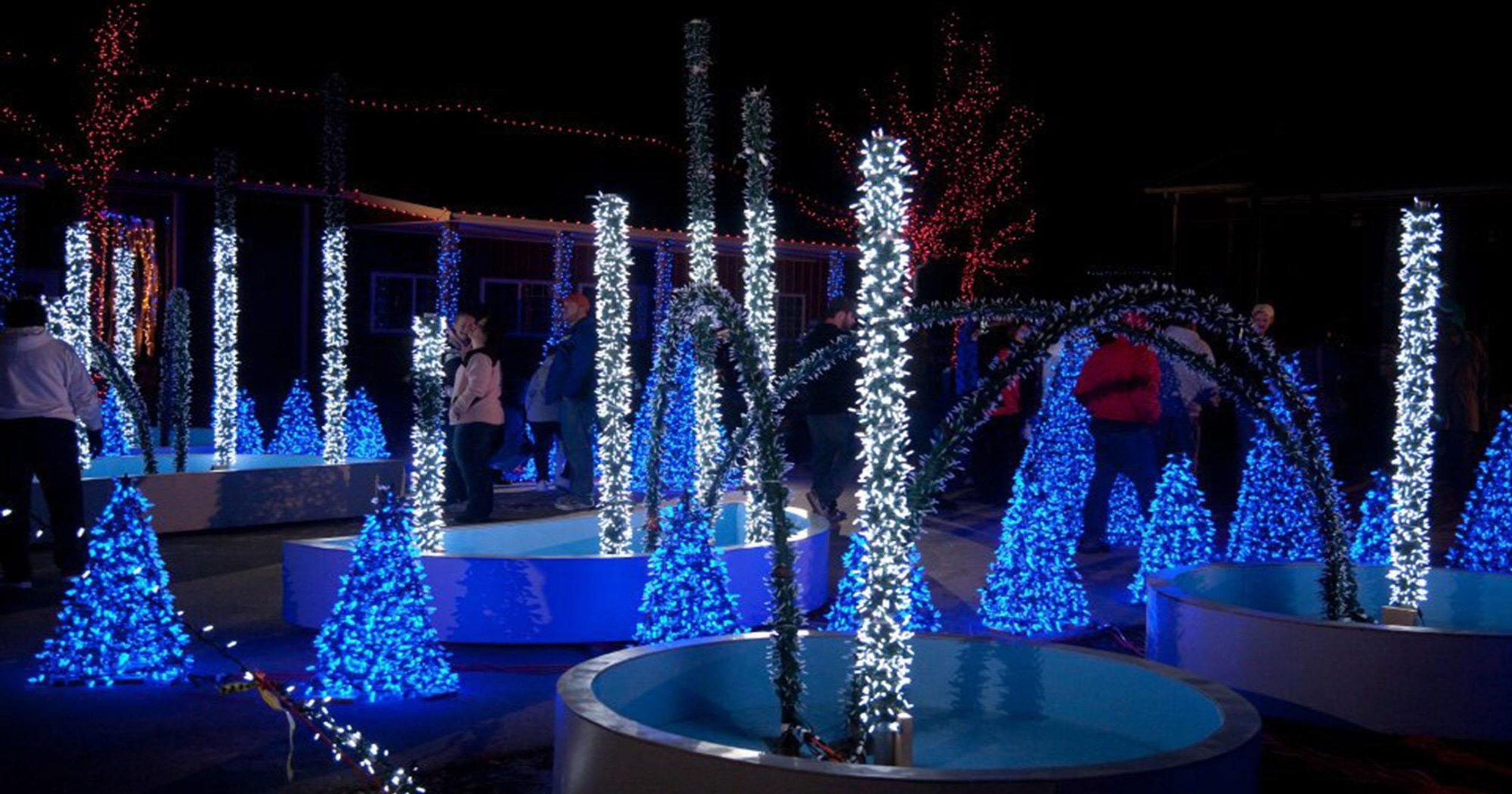 13 holiday lights displays around wisconsin