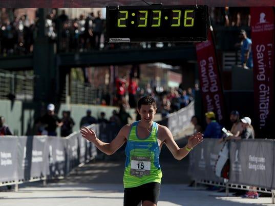 marathon-race-leader-male.jpg