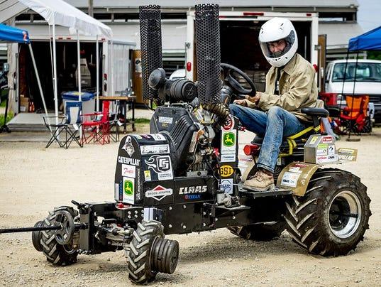 636323335255194511-purdue-tractor.jpg