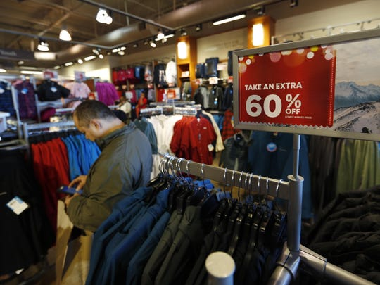 U.S. retail sales fell in December, posting the biggest drop since September 2009 and delivering more evidence that last year's holiday sales fizzled unexpectedly. Even e-commerce suffered a big setback.