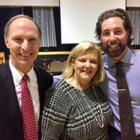 R.A. Dickey inspires donors at annual fundraiser for those without health insurance