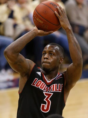 Louisville's Chris Jones (3) takes a shot against Pittsburgh on Sunday.