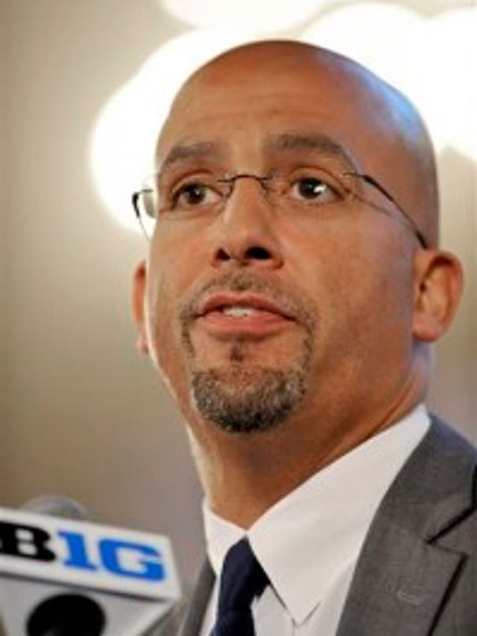 Penn State football coach James Franklin was making his first appearance at Big Ten Media Day, just like Rutgers coach Kyle Flood. The two have known each other for a long time. (AP)