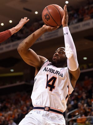 Antoine Mason (14). 