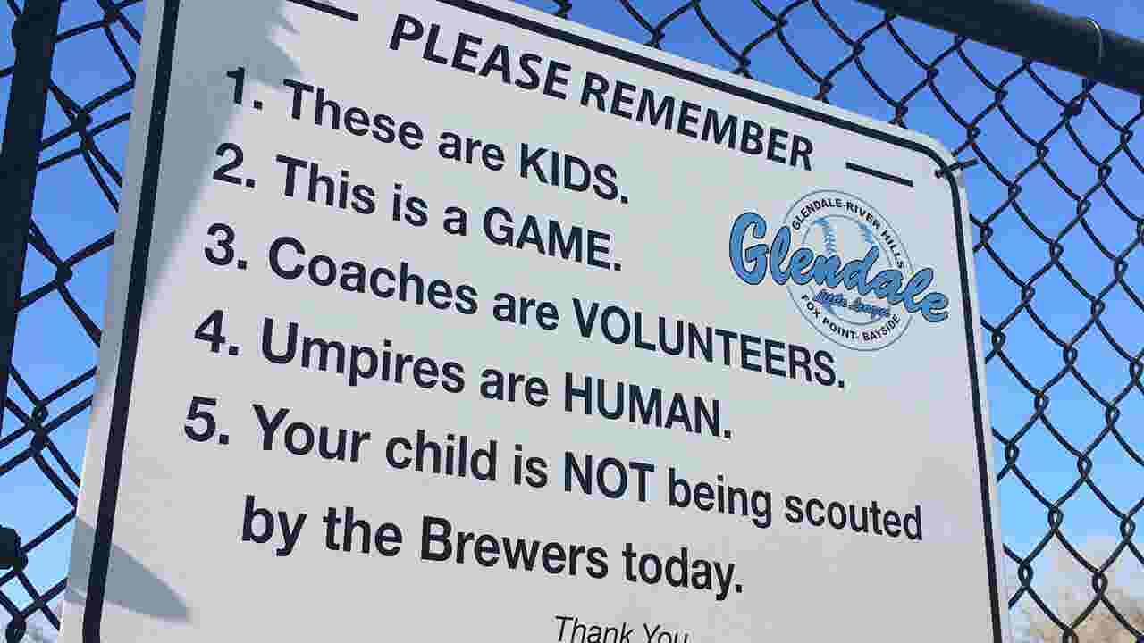 Glendale Little League sign reminds fans: \'These are kids. This is a ...