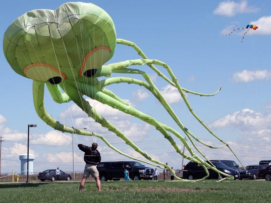Voice of america kite festival