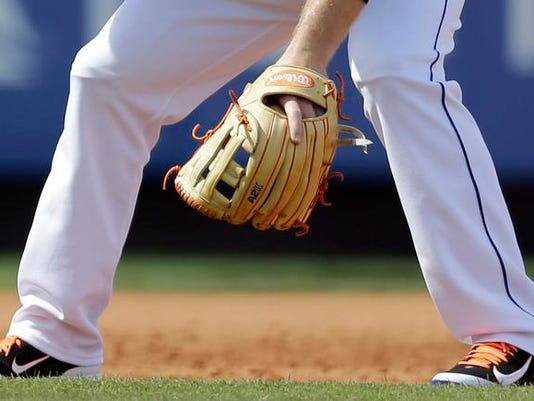 -web-art sports baseball mitt2.jpg_20140317.jpg