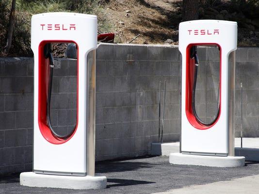 Tesla-Tahoe Charging _Robl.jpg