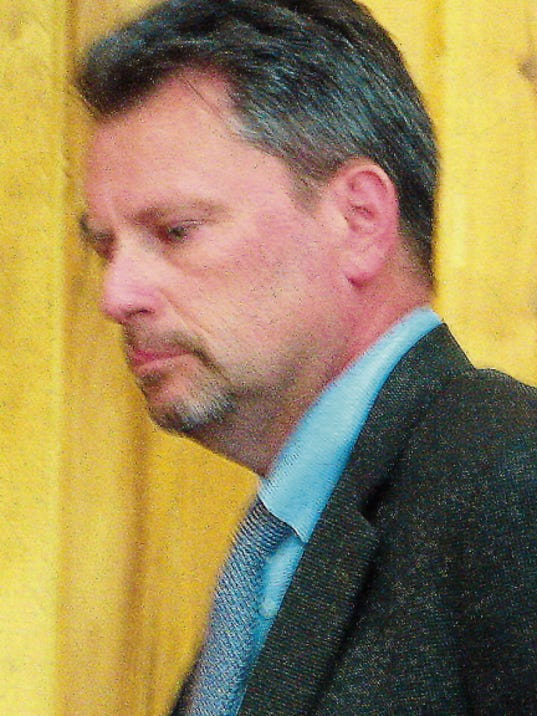 Chris Muirhead of the Modrall Sperling law firm goes over details of the bond package during a special Ruidoso Council meeting.