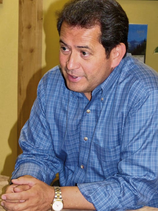 New Mexico Lt. Gov. John Sanchez was in Ruidoso Monday to speak to members of the Lincoln County area Republican Party.
