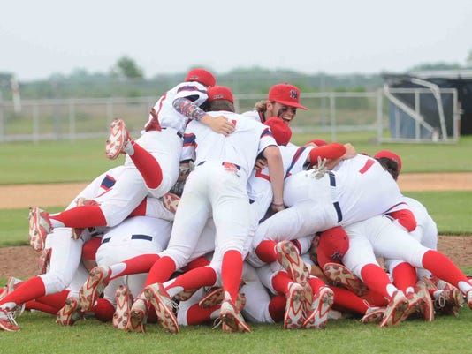 team pileup after winning sole ownership of District Champs (2).JPG