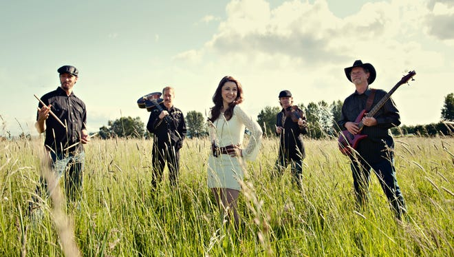 """Carrie Cunningham & the Six Shooters will play as part of the """"Boot Scoot-N-Brew"""" festival."""