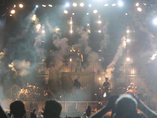 Review Dierks Bentley Brings The Party To Phoenix