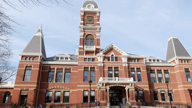 Exterior of the  Campbell County Courthouse, Newport.