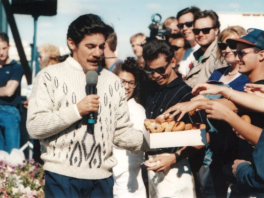 "Geraldo Rivera films a segment for his show ""Geraldo,"" which aired in early November 1989, on Debbie Duz Donuts."