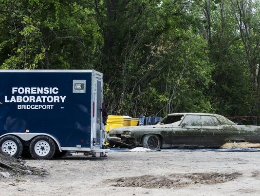 Body found in car submerged in Buena Vista Township pond