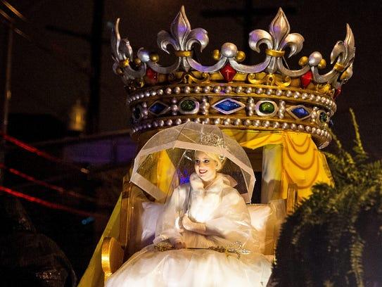 Queen Evangeline LXXVI Ann-Riley Louise Lane rides