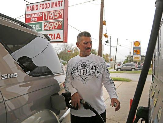 Missouri gasoline price falls below $2 per gallon