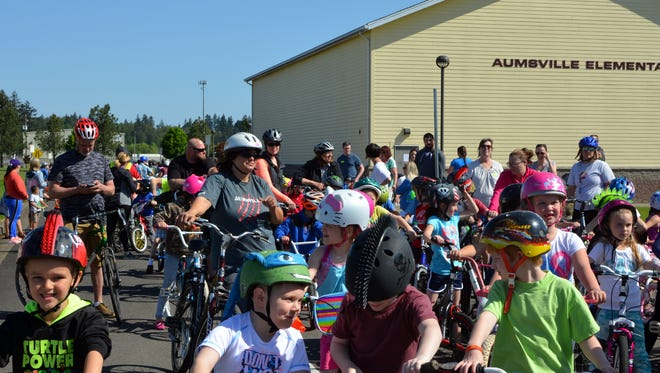 """Aumsville Elementary School students take part in the """"Spring Back to School Day"""" on May 10, 2017."""
