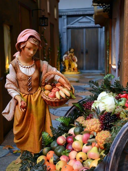 04 LAN nativity scene