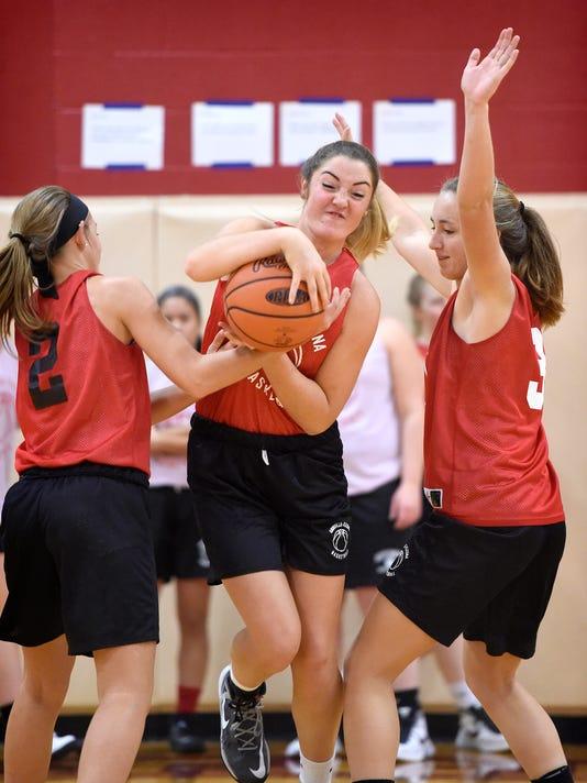 ldn-mkd-112916-Annville girls basketball-