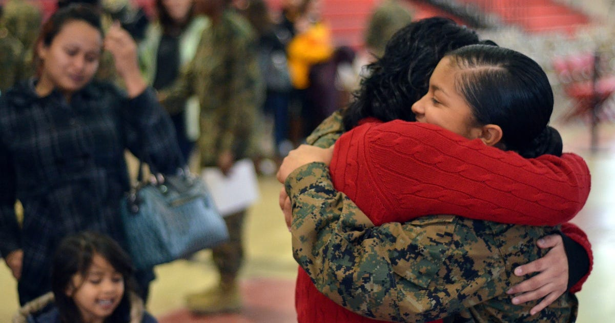 Marines become U.S. citizens at boot camp