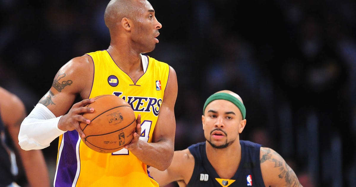 Kobe Bryant keeps Lakers in hunt with win over Grizzlies