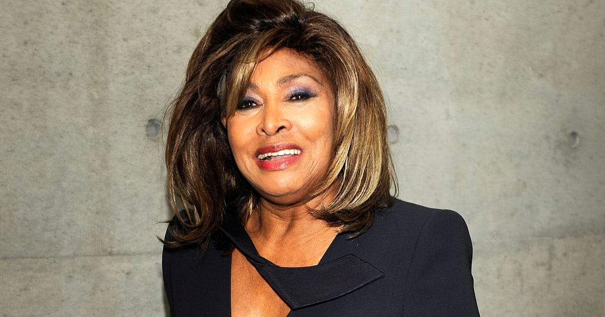 Tina Turner goes glam in green for wedding