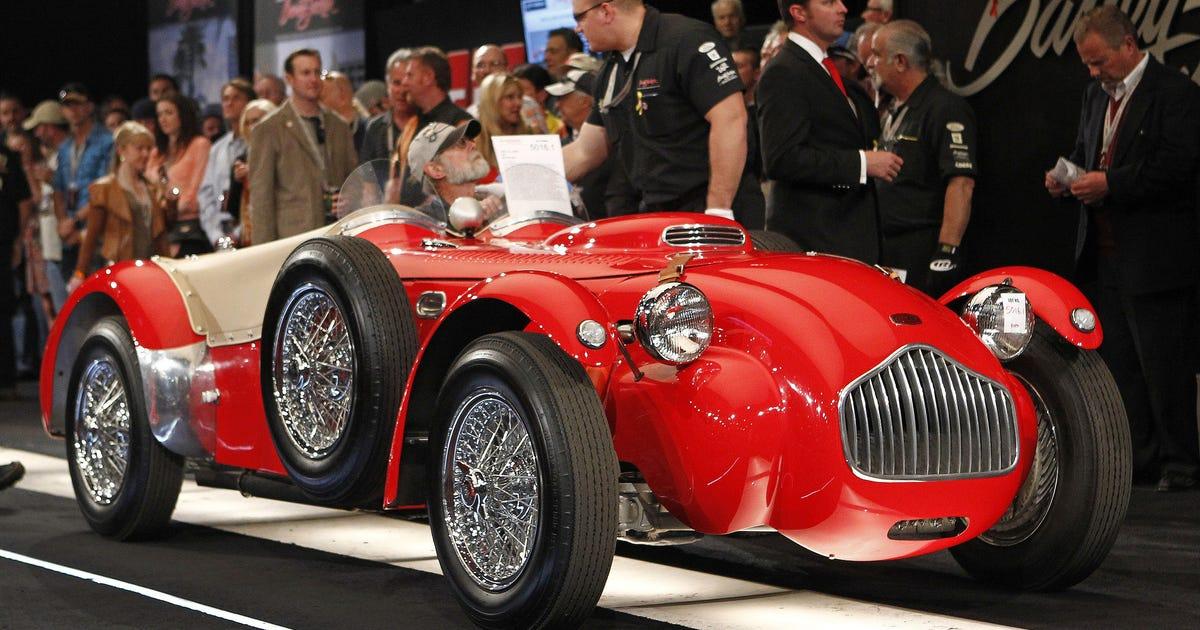 classic cars sold at barrett jackson auto auction. Black Bedroom Furniture Sets. Home Design Ideas
