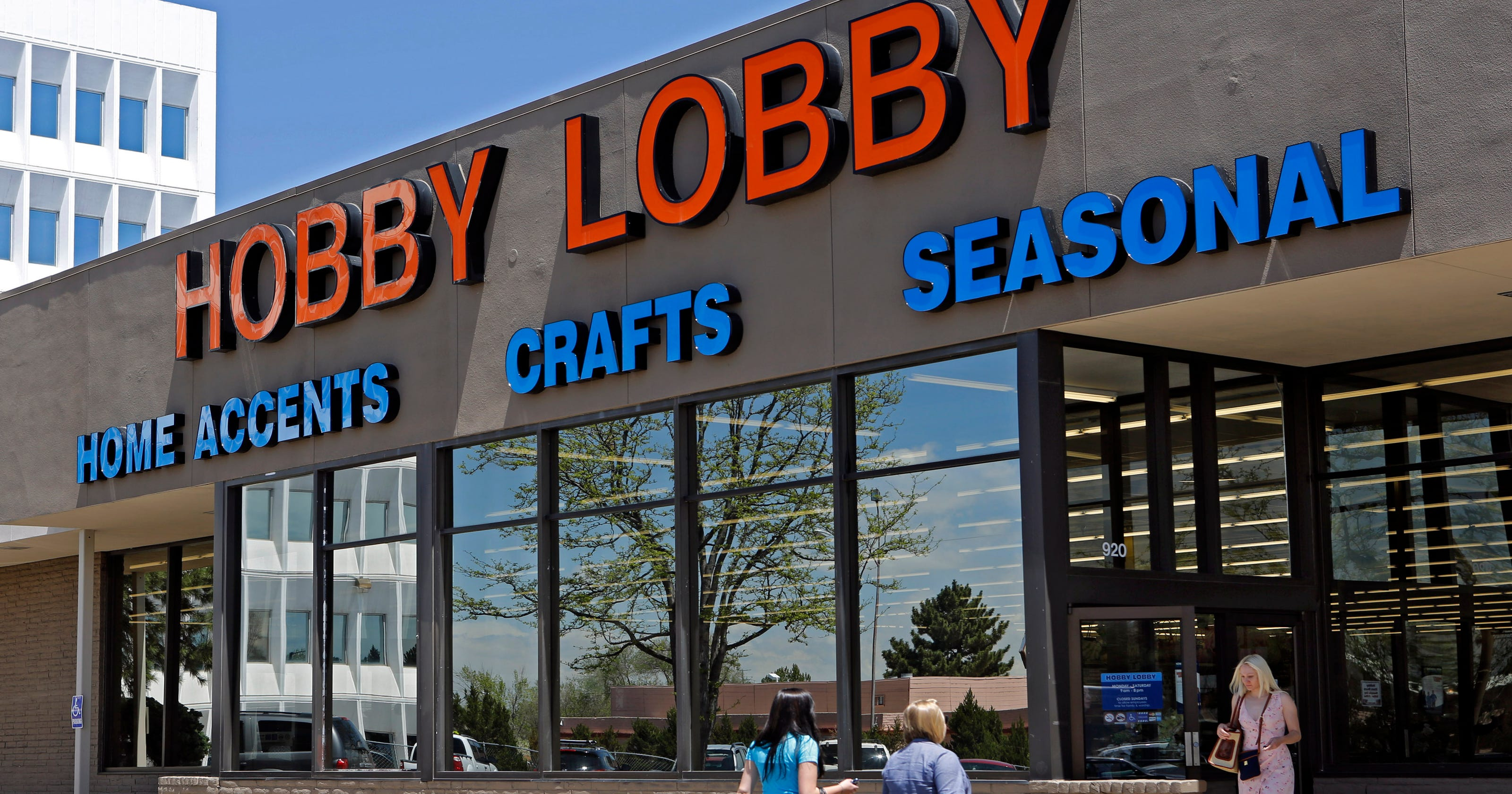 Hobby Lobby to raise minimum wage to $17 an hour for full-time workers... image